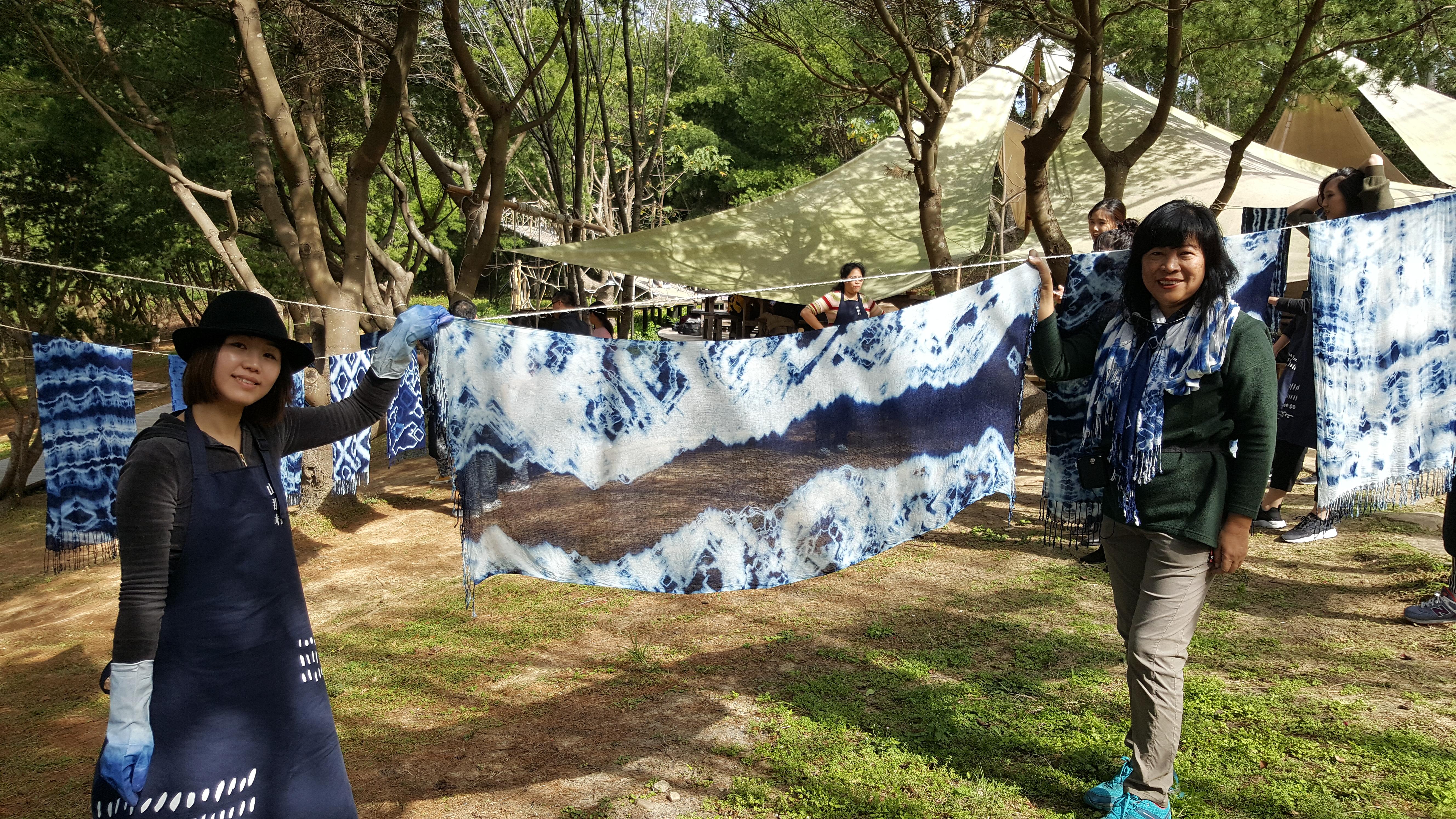 潑墨山水畫般的藍染